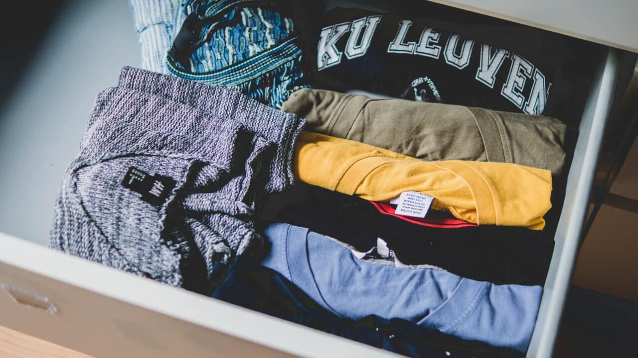 Need more vacation money to fund your big trip? Sell your used clothes for more travel money.
