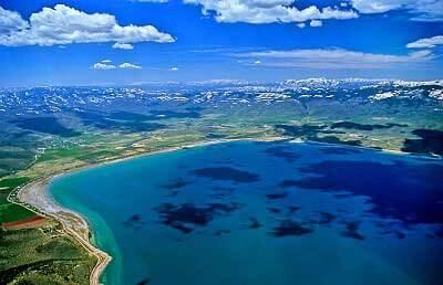 beautiful blue bear lake utah