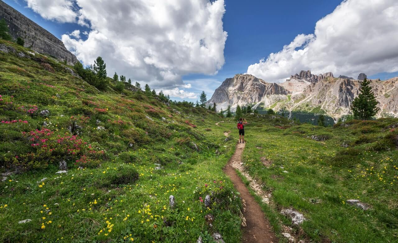 Sunrift Gorge Hiking trail glacier national park