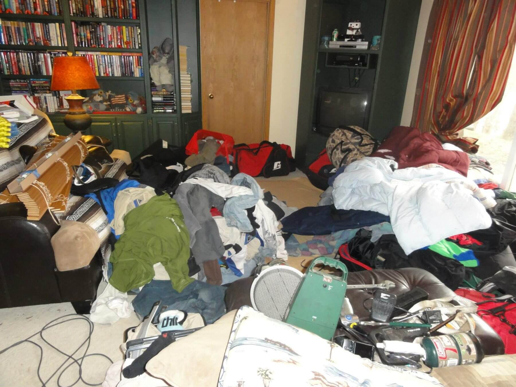 AVOID TRAVEL PLANNING OR YOUR NEXT TRIP PACKING DAY MAY LOOK LIKE THIS MESS