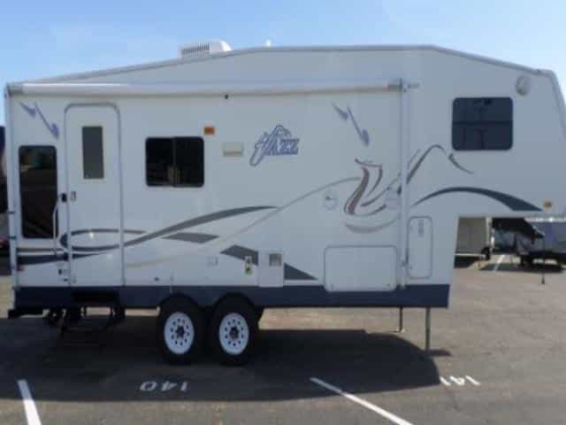 Coachman Jazz 5th wheel is the worst brand you can buy from the Coachman RV manufacturer